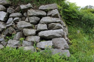 水口岡山城の石垣