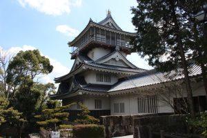 岩崎城の天守