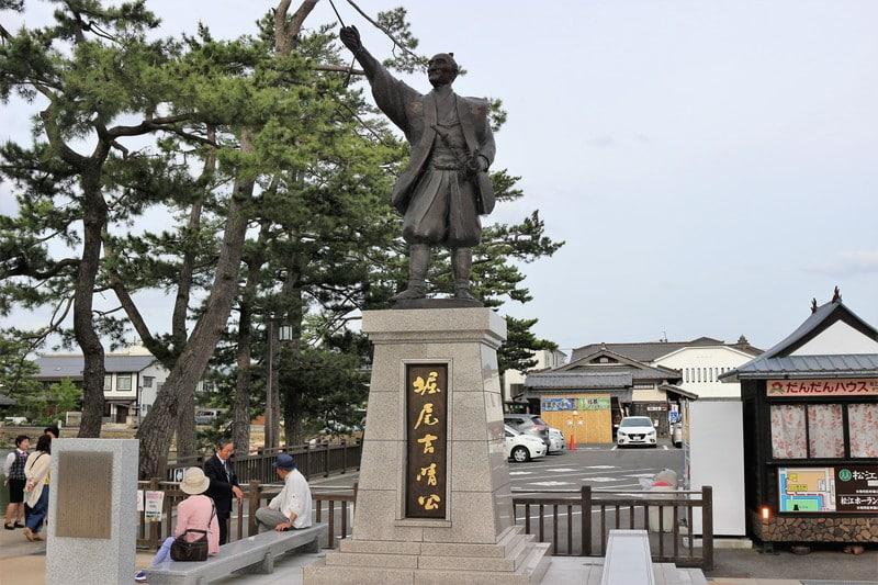 「3分でわかる堀尾吉晴とは~仏の茂助と呼ばれた豊臣家最古参の名将」のアイキャッチ画像
